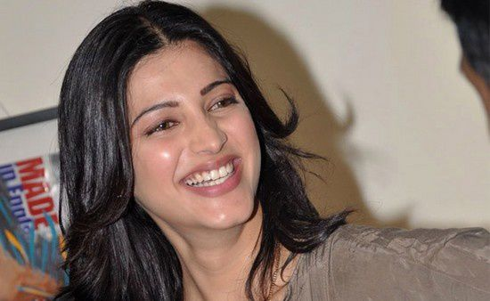 Happy Birthday Shruti Hassan !!