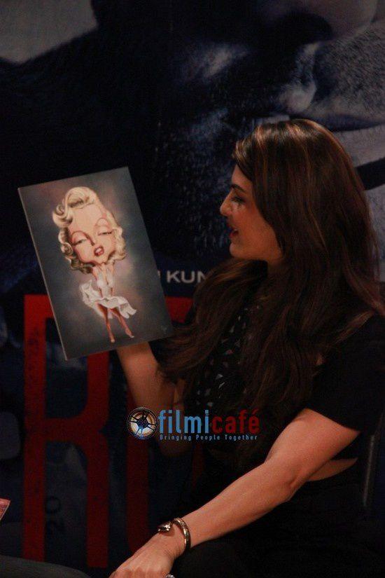 Jacqueline Fernandez et Arjun Rampal font la promotion