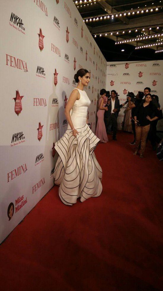 Sonam Kapoor aux Femina Beauty Awards 2015