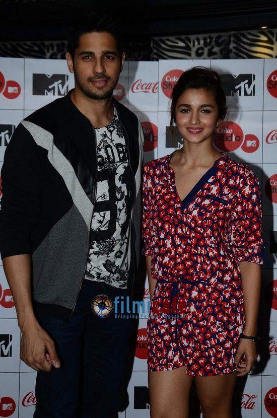 Alia Bhatt et Siddharth Malhotra au lancement de MTV Coke Studio Saison 4