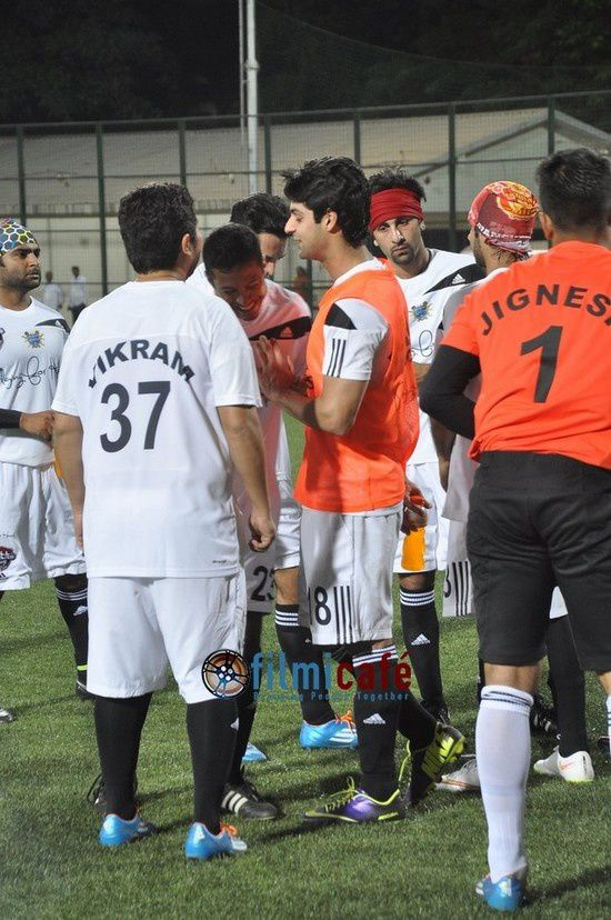 Ranbir Kapoor, Dino Morea, Arjun Kapoor participent aux All Stars Football Club