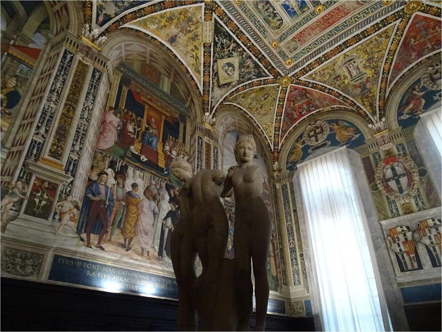 Sienne, Duomo, Libreria Piccolomini : Les trois Grâces