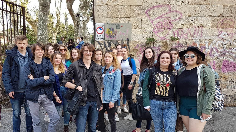 Devant le Liceo Cecioni, 03/04/17 10:35