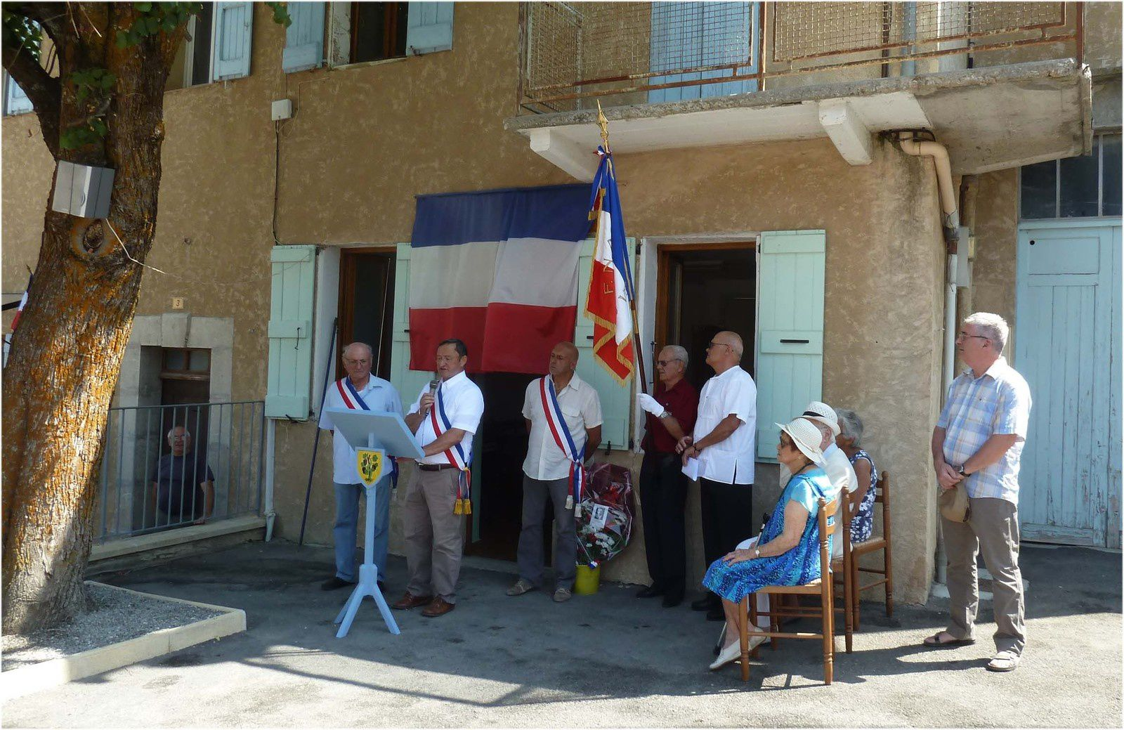 Lambruisse, Inauguration  l'ancienne mairie porte le nom de Paul Germain