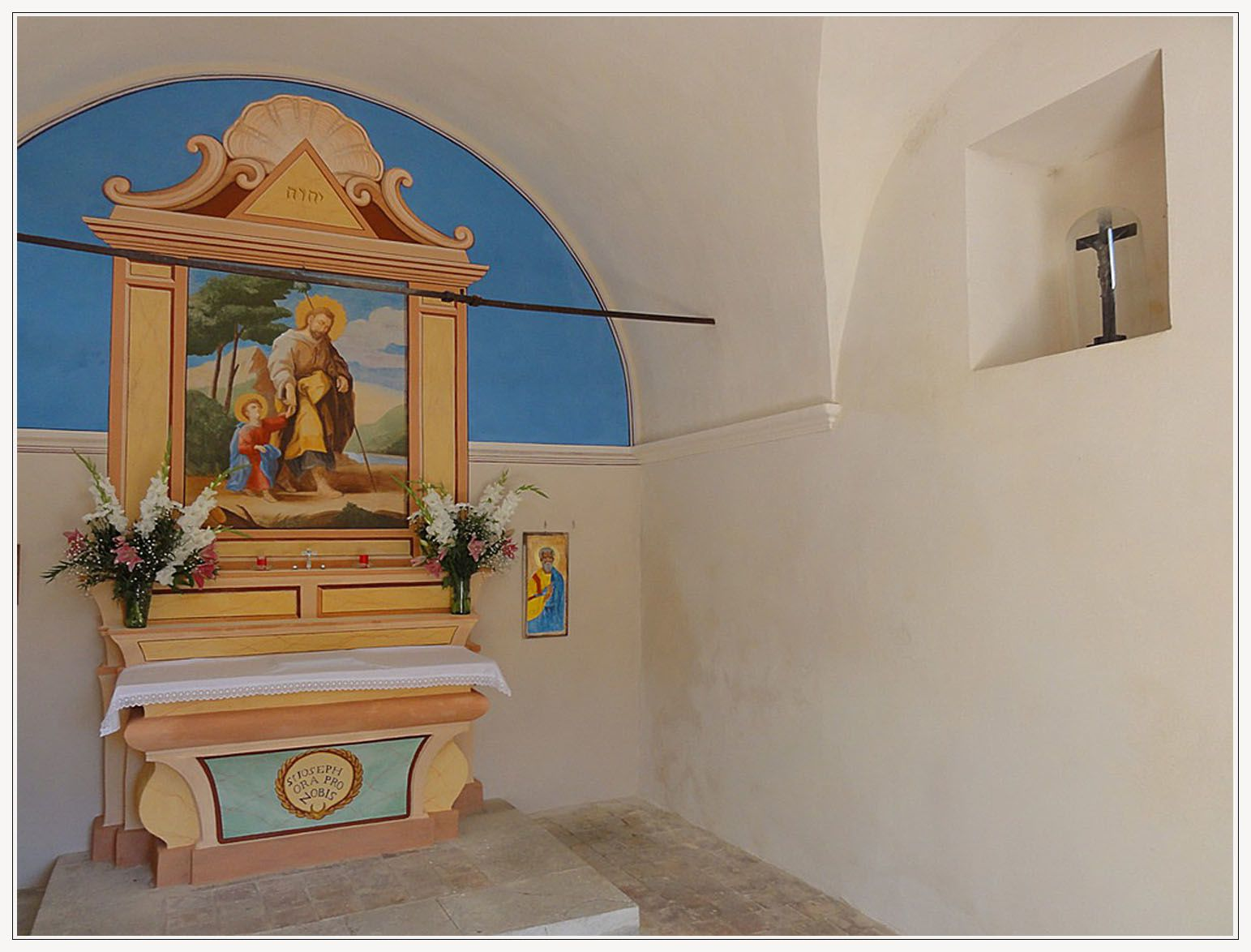 Photos de la restauration de la chapelle AVENOS à la ROCHETTE