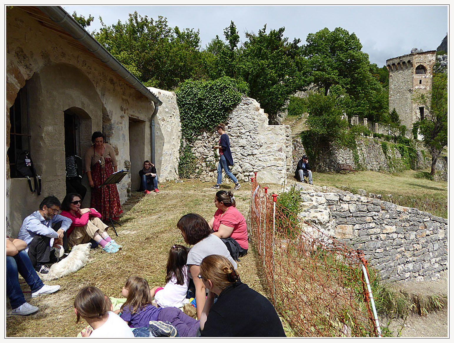 Balade Contée organisée par la médiathèque de Castellane
