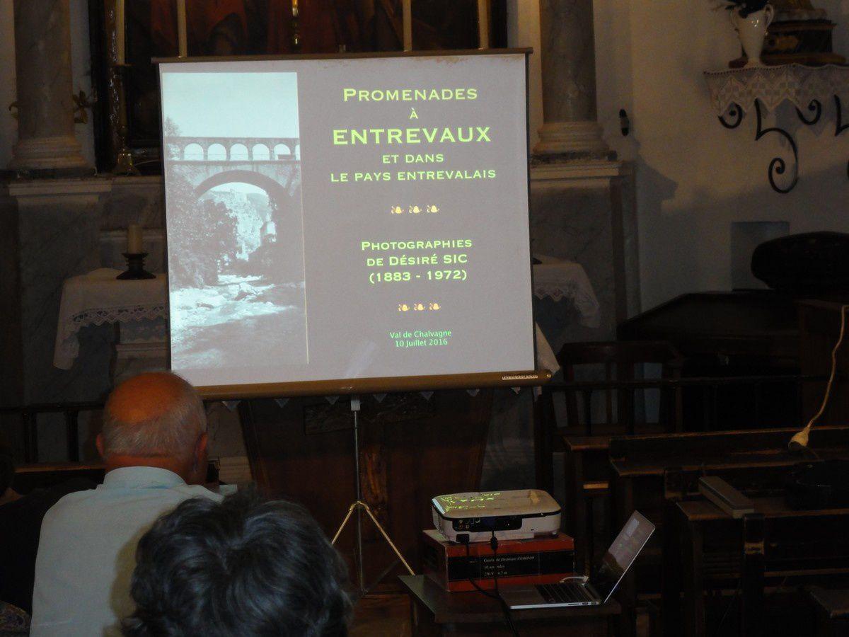 La conférence de Jean-Loup FONTANA  conservateur du patrimoine, et Colin  Miege Photos  D. SIC