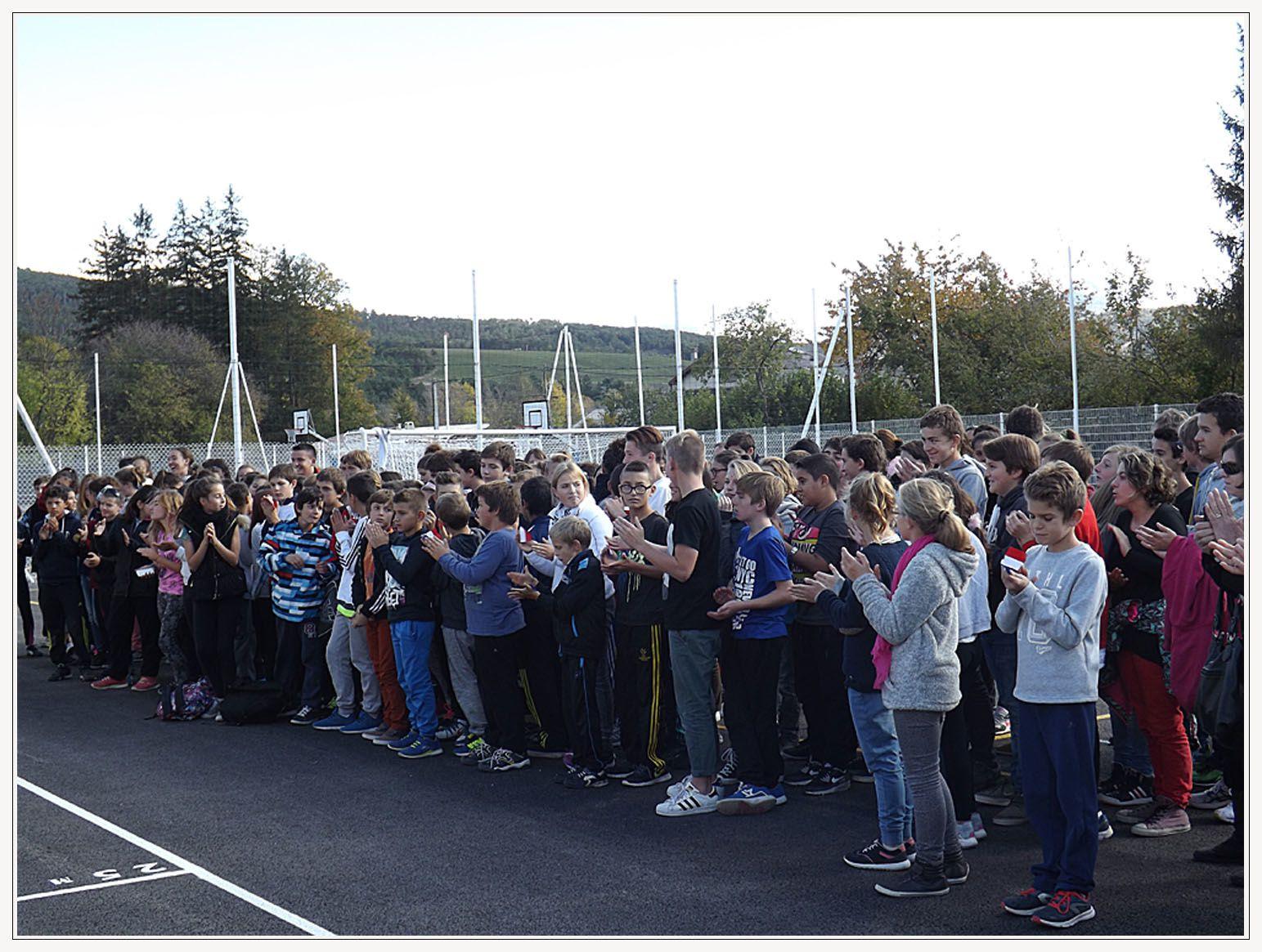 Saint André les Alpes : Au collège on chante &quot&#x3B;Voyage, voyage&quot&#x3B;...