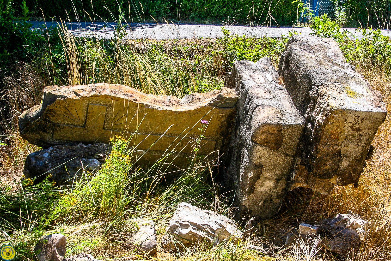 La Mure Argens : le mur de la stèle a été choqué