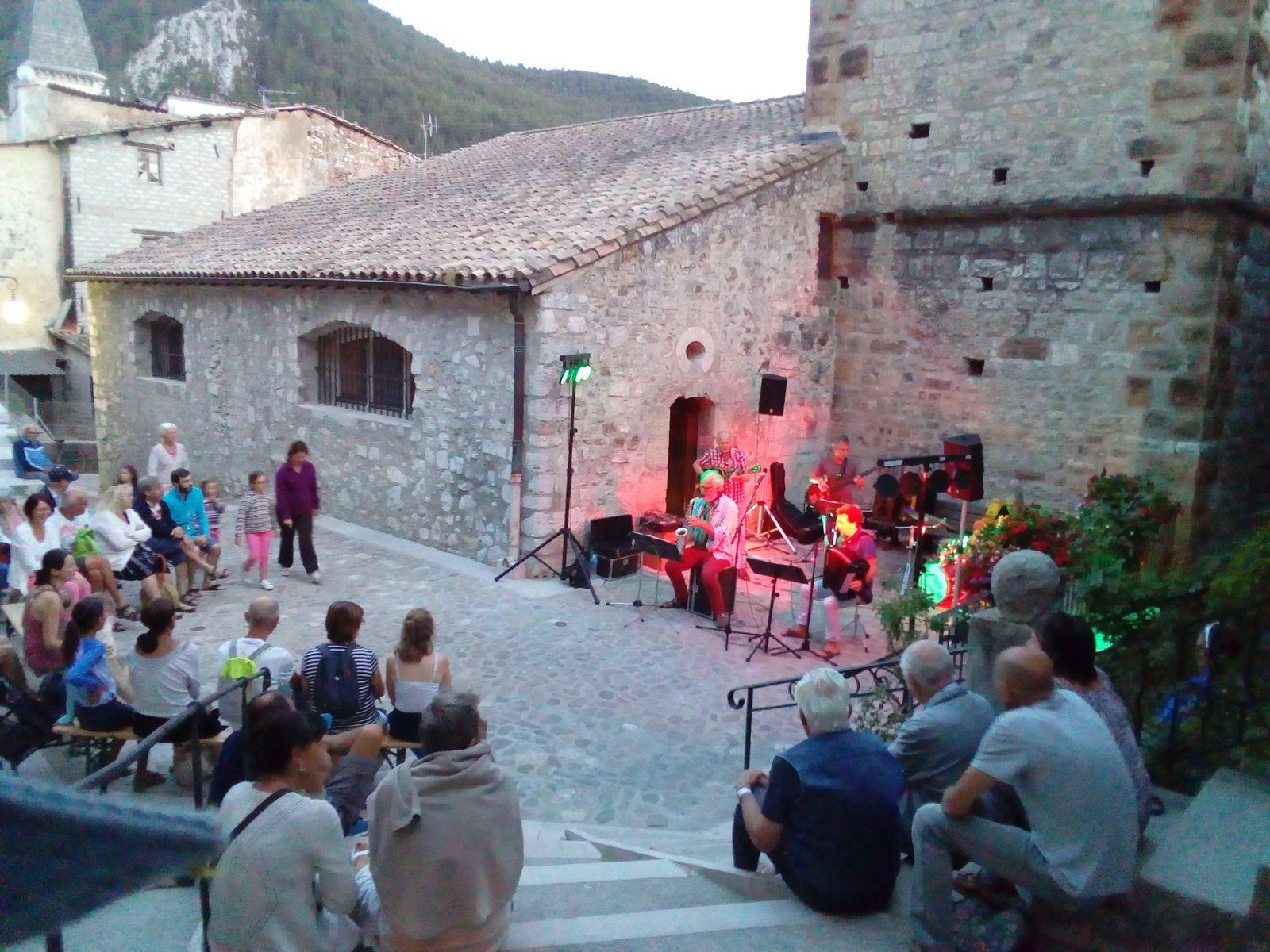 Castellane les mercredis Musicaux , le dernier de la saison sera le Mercredi 30 août à 21h.
