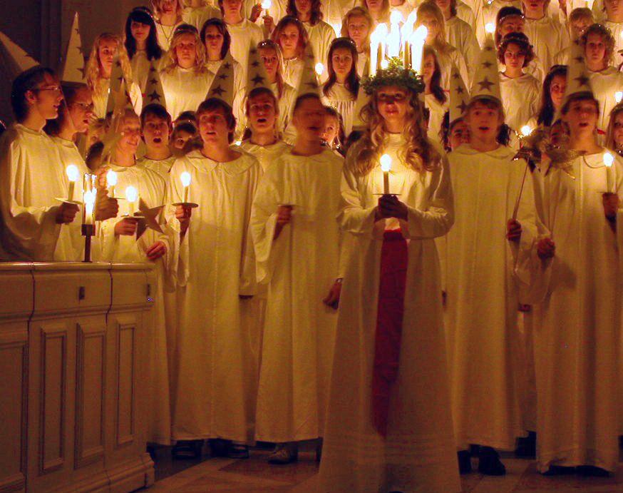 Procession de la Sainte Lucie en Suède...