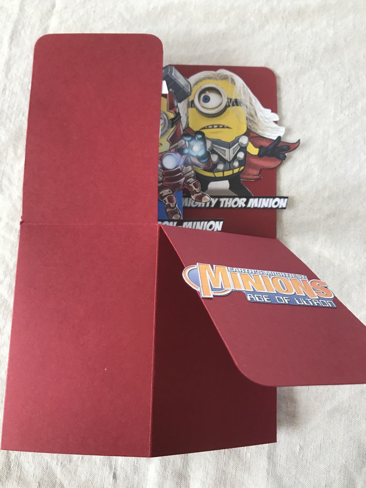 Carte boite Minion Marvel ...