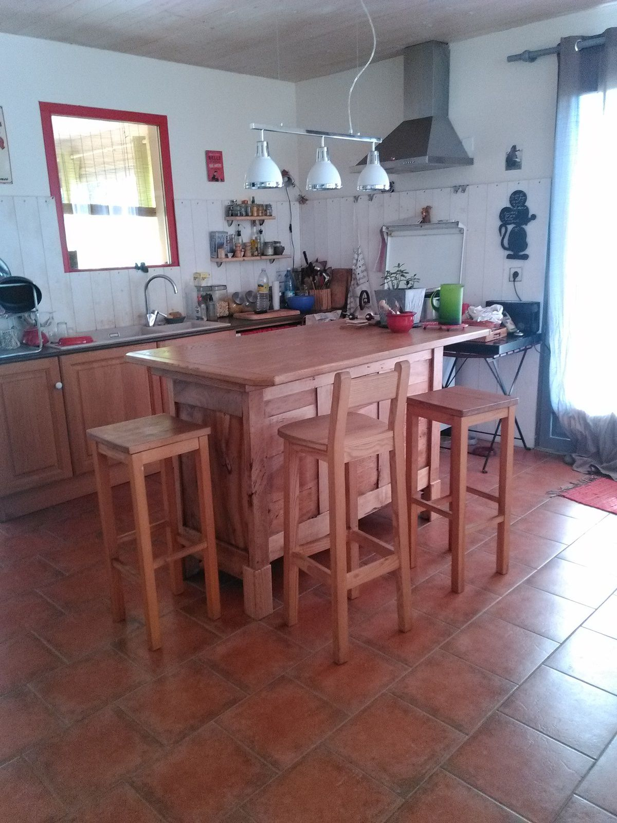 Meuble de cuisine ilot central lau bois creations for Ilot central en bois