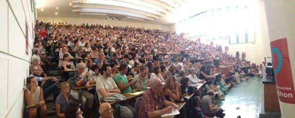 Marseille 2014-08-28 Amphi blindé pour la conférence sur le populisme de gauche avec la philosophe Chantal Mouffe