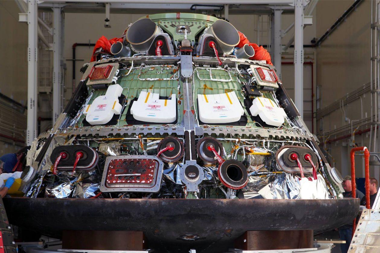 Présentation d'Orion par Mark Geyer (NASA) et Mike Hawes (Lockheed Martin), le 13 janvier  au centre de conférence Jackson à Huntsville.