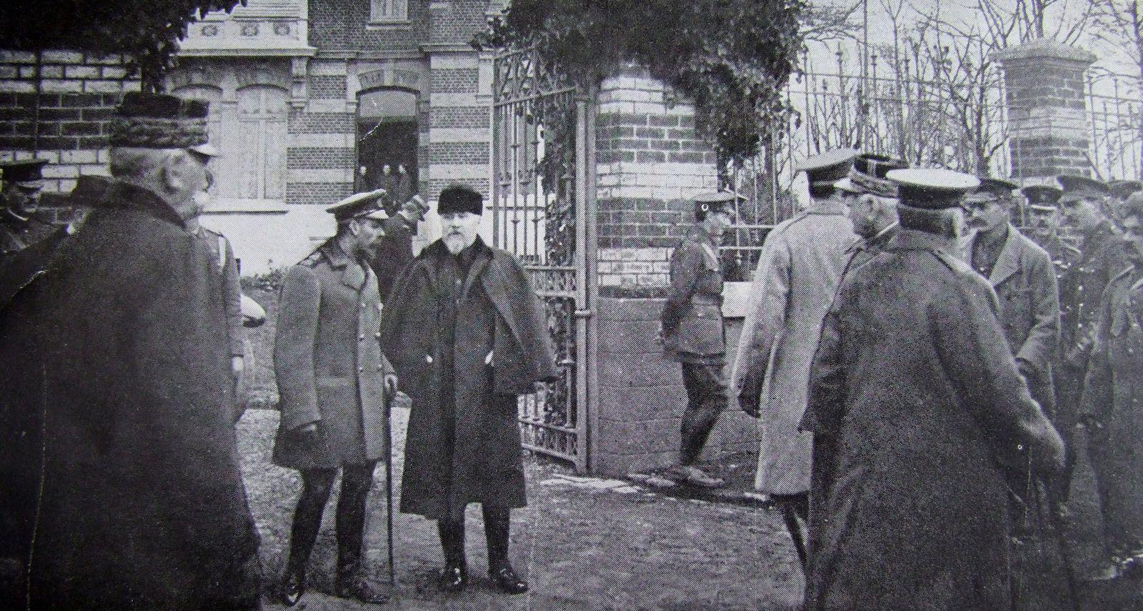 La visite de Raymond Poincaré au roi George V à Merville