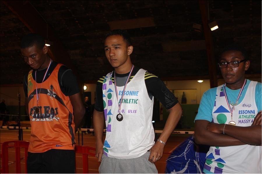 Championnats Benjamins-Minimes le 15-16 mars en salle à Viry : Aboubacar K. Vice champion d'Essonne Minimes du 50 m. en 6 s.41 et Jérémy L. 2e avec son équipe de relais Essonne Athletic.