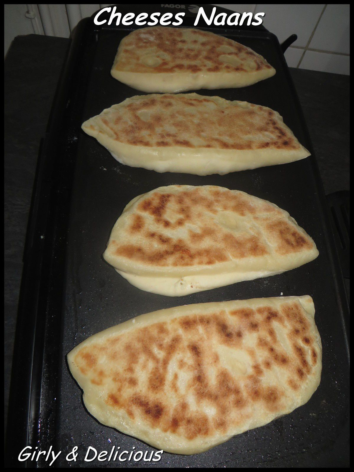 Cheeses naans