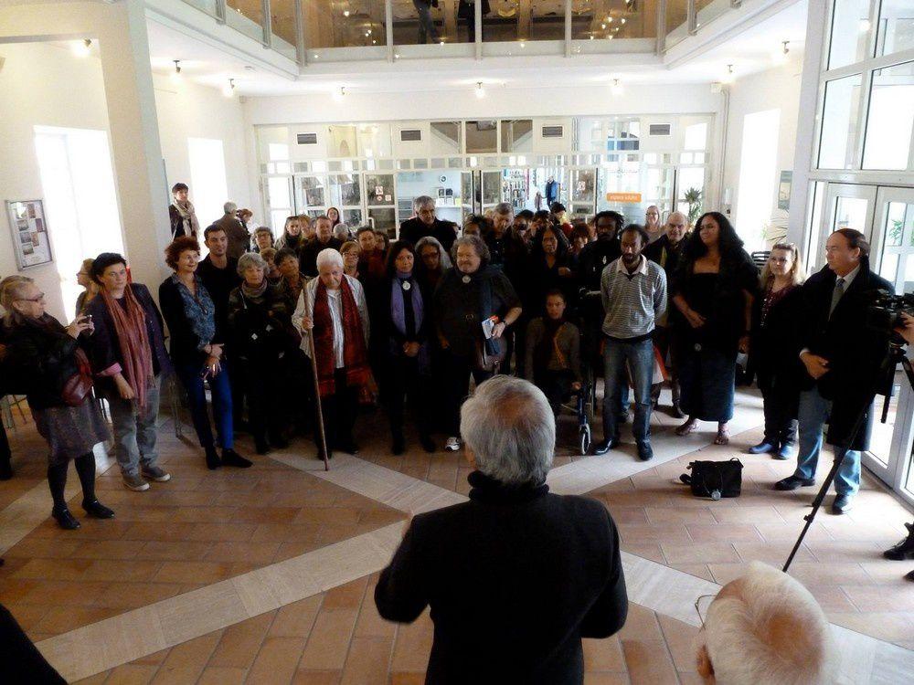 Coutume à Rochefort, Dédicace de Frédéris Ohlen à Paris à Eric Orsenna avant Rochefort, La délégation Pacifique à Rochefort