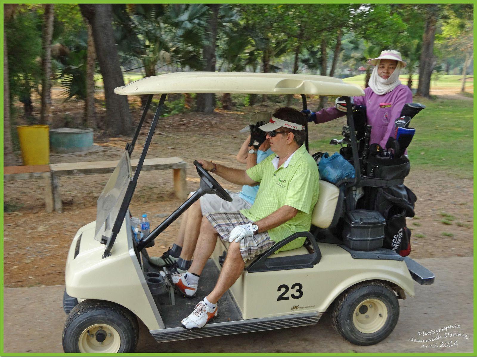 Le golf en Thailande I (Ubonrat)