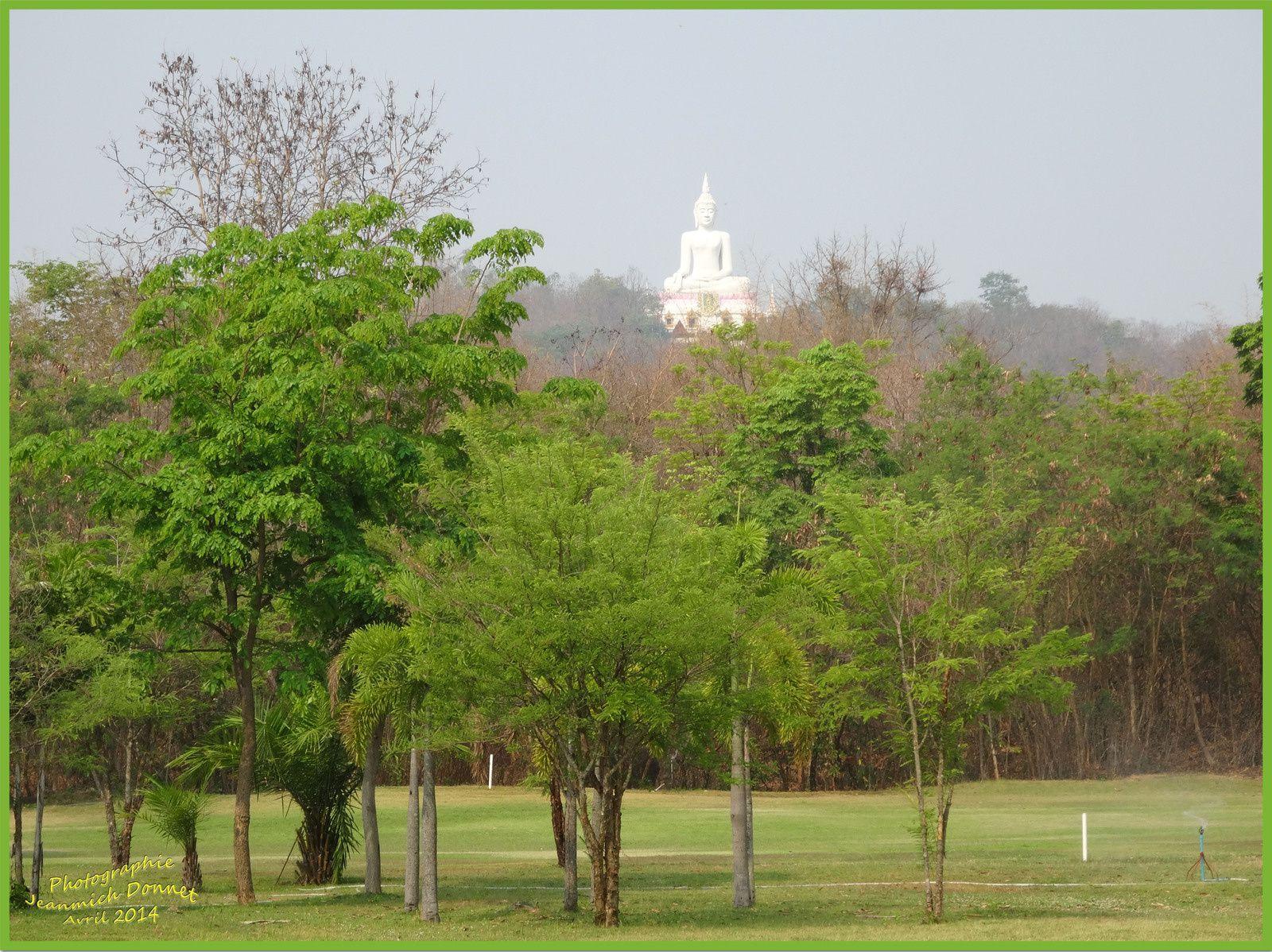 Le golf en Thailande II (Ubonrat)