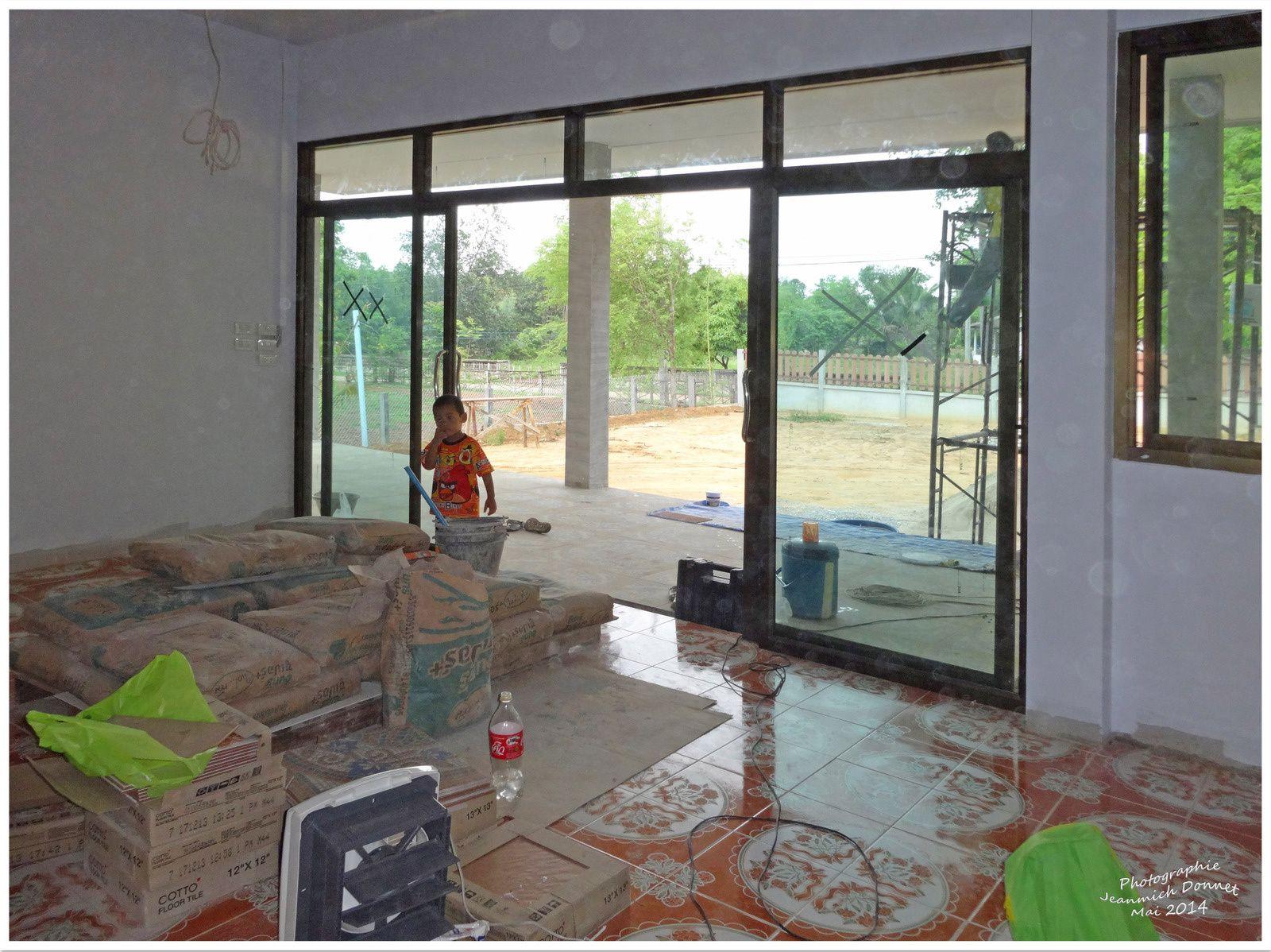 Derniers travaux de la maison à Armand Ubonrat (thailande)