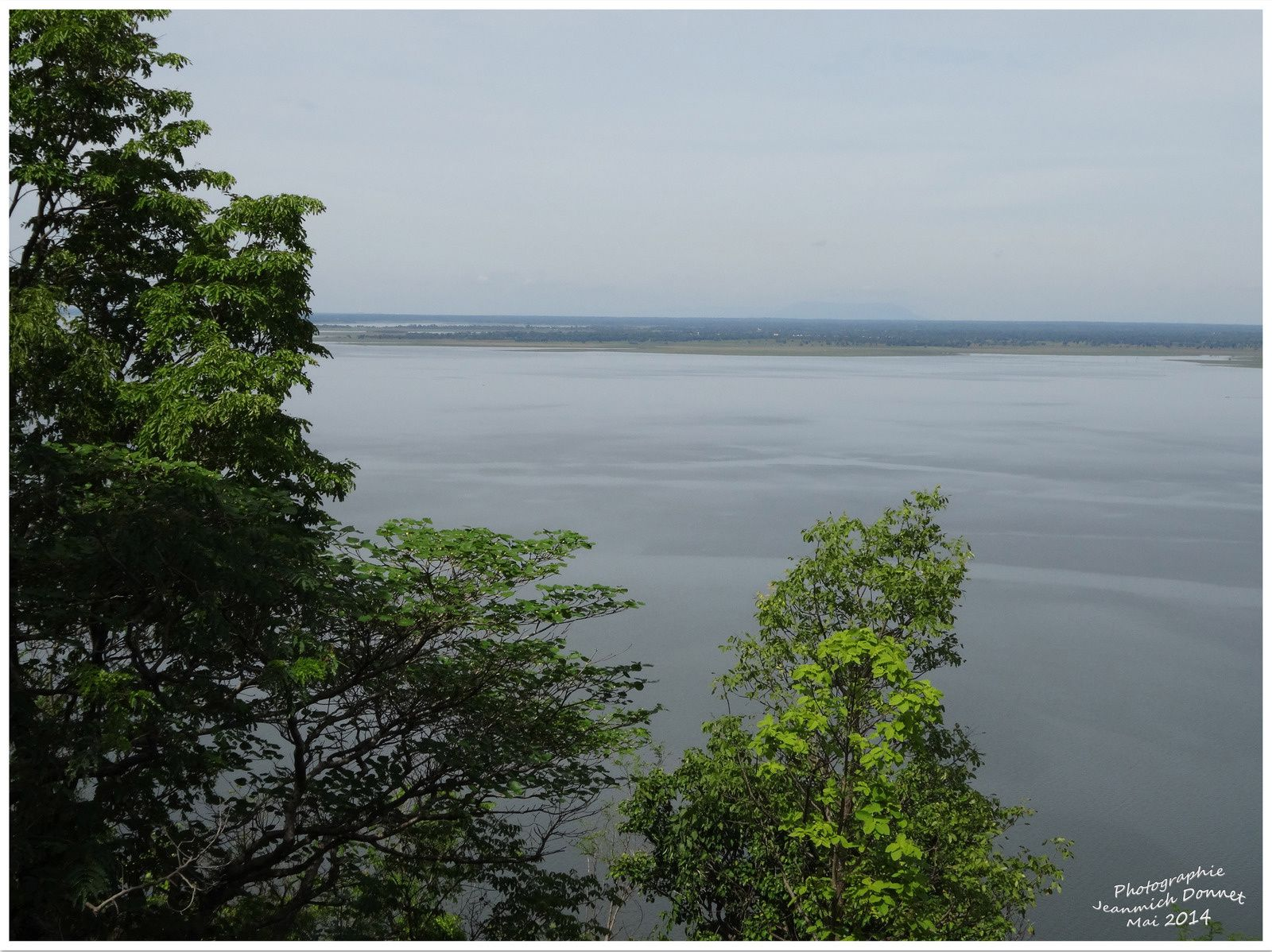 Le big Bouddha à Ubonratana Dam