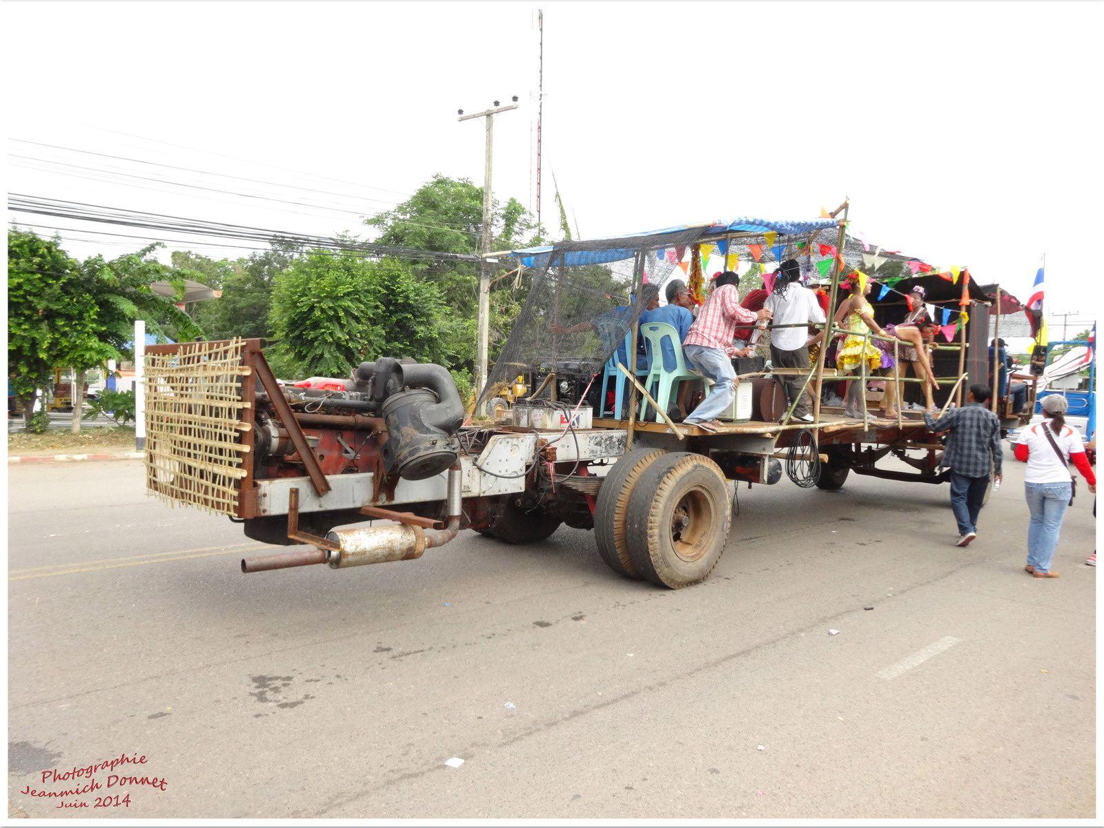 Fêtes de Thailande : Bang Fai (le festival des fusées) III