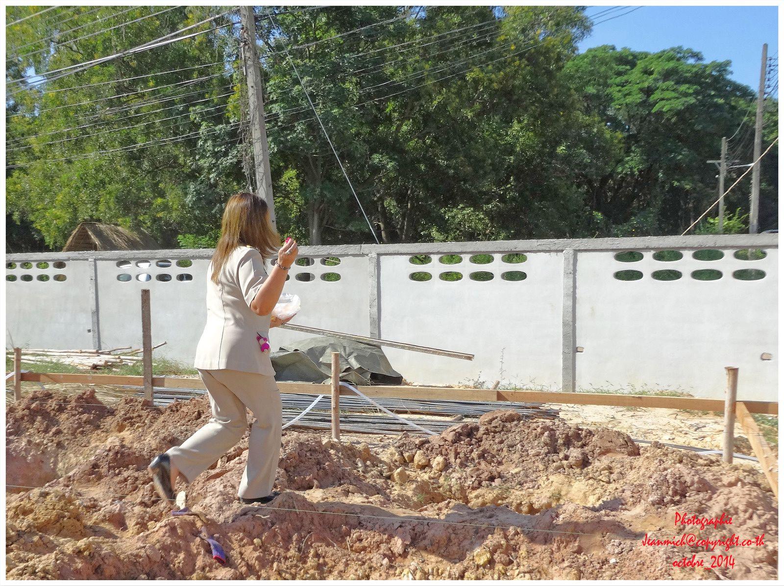 Pose de la première pierre chez Kodcha et Graig (Ubonrat Thaïlande)