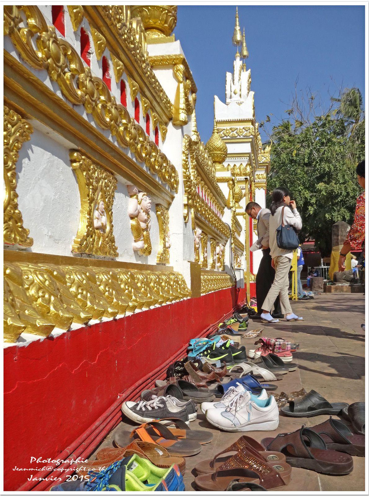 Wat That Panom un superbe temple à l'extrême Est de la Thailande (I).
