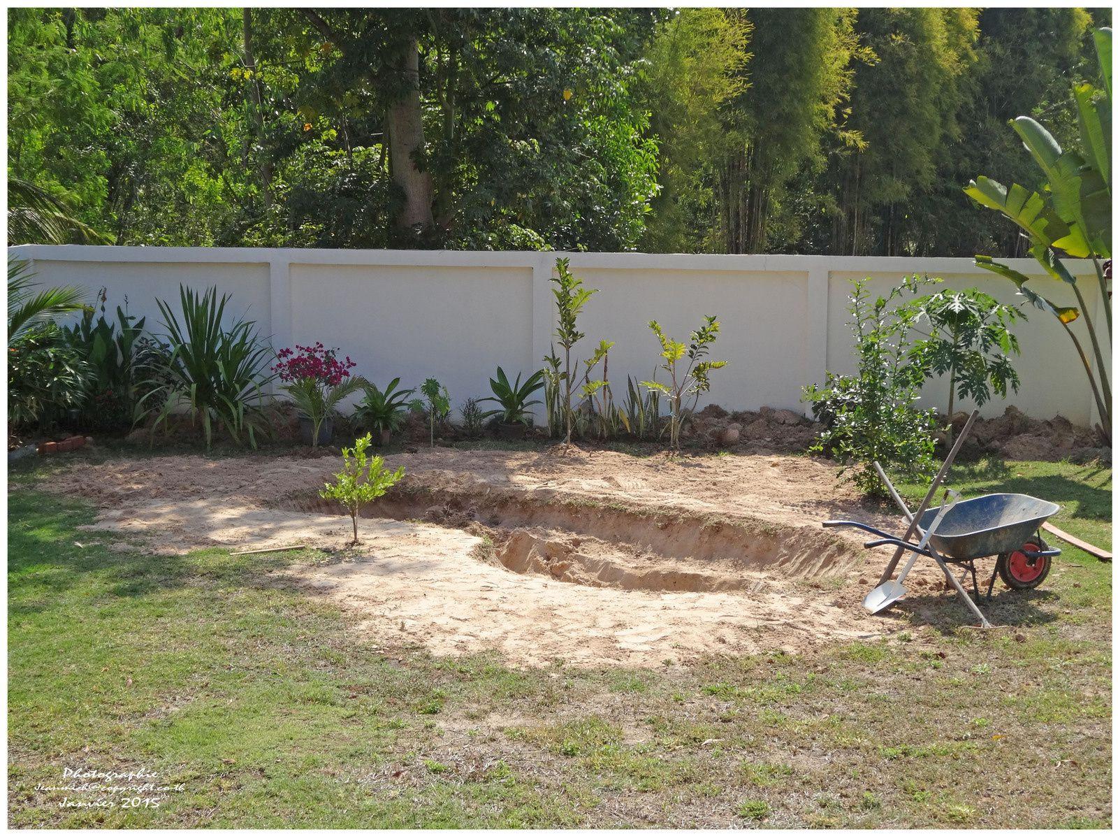 Cr ation d 39 un petit tang dans le jardin le blog de for Etang jardin