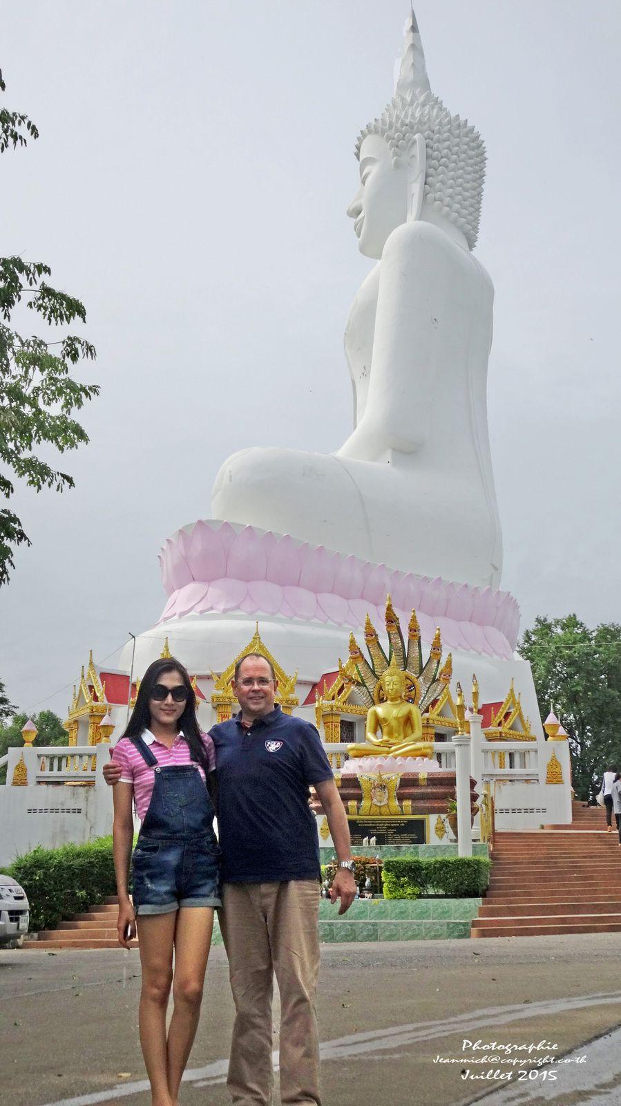 Au sommet vers le Wat Phra Yai