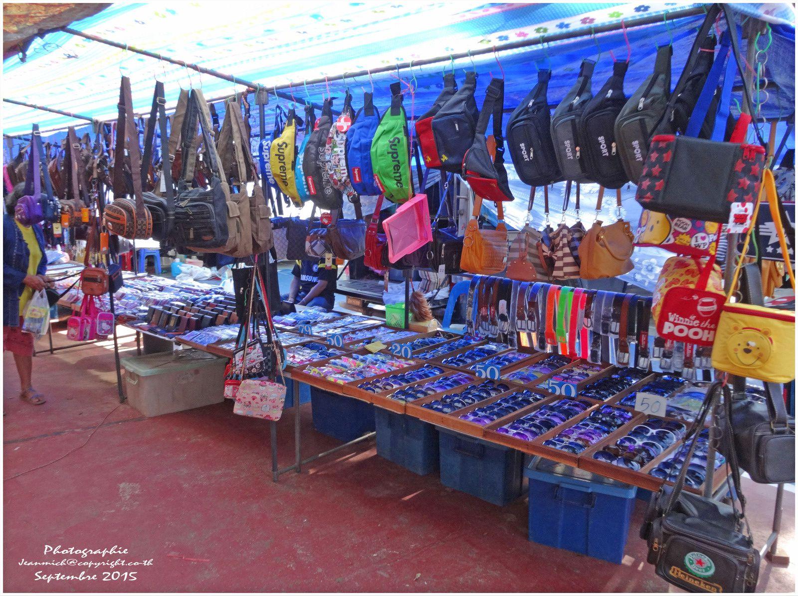 Jour de marché à Ubolratana.....