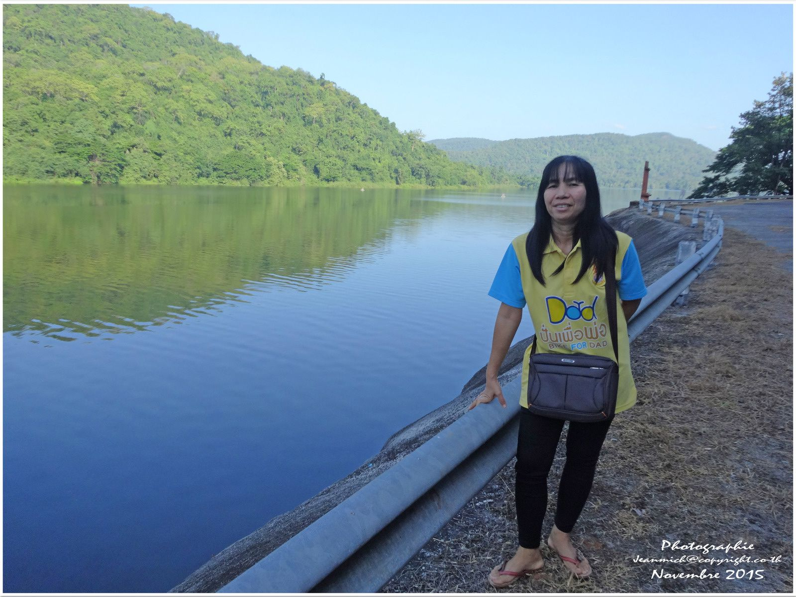 Huai Kum Dam, barrage en pleine jungle.... (Thaïlande)