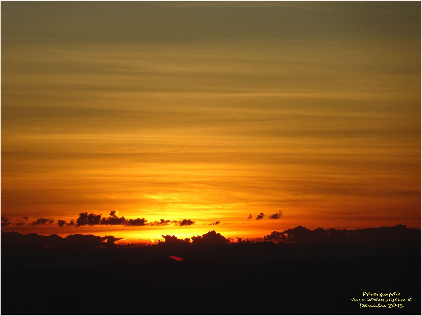 Phu Thap Boek (ภูทับเบิก) au lever du soleil.