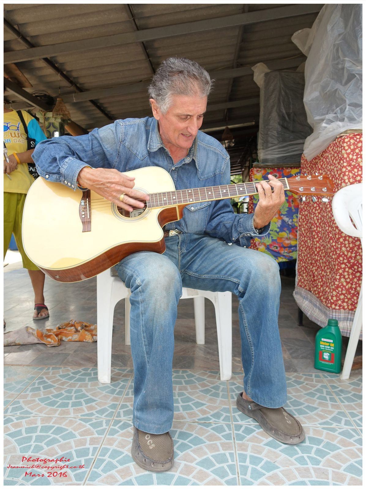 "Un musicien italien ""Giuseppe"" à Uborat...."