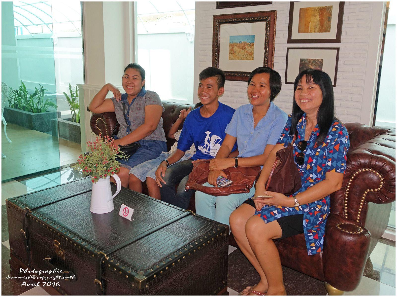 Khon Kaen, L'anniversaire de Paul....,