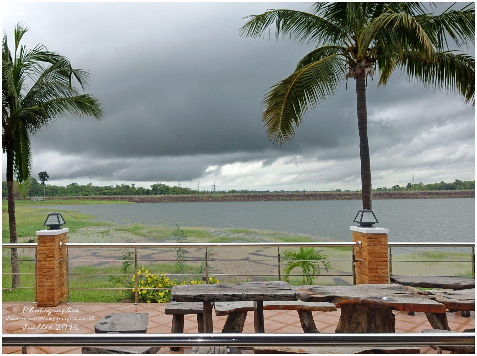 Le barrage de Sirindhorn (Thaïlande, Isaan)