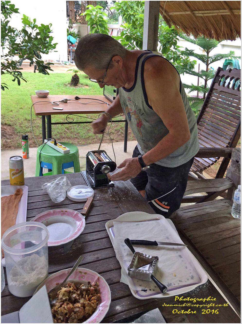 Un temps à faire la cuisine... Des raviolis maison....