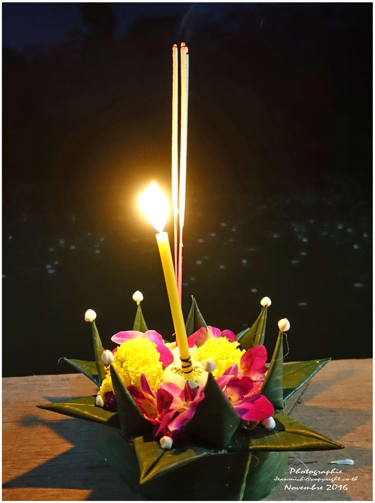 Pleine lune de novembre en Thaïlande &quot&#x3B;Loy Krathong&quot&#x3B;