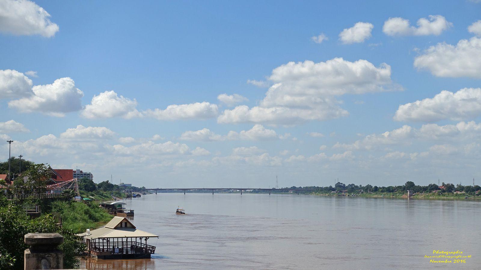 Sur les bords du Mékong (Thaïlande)