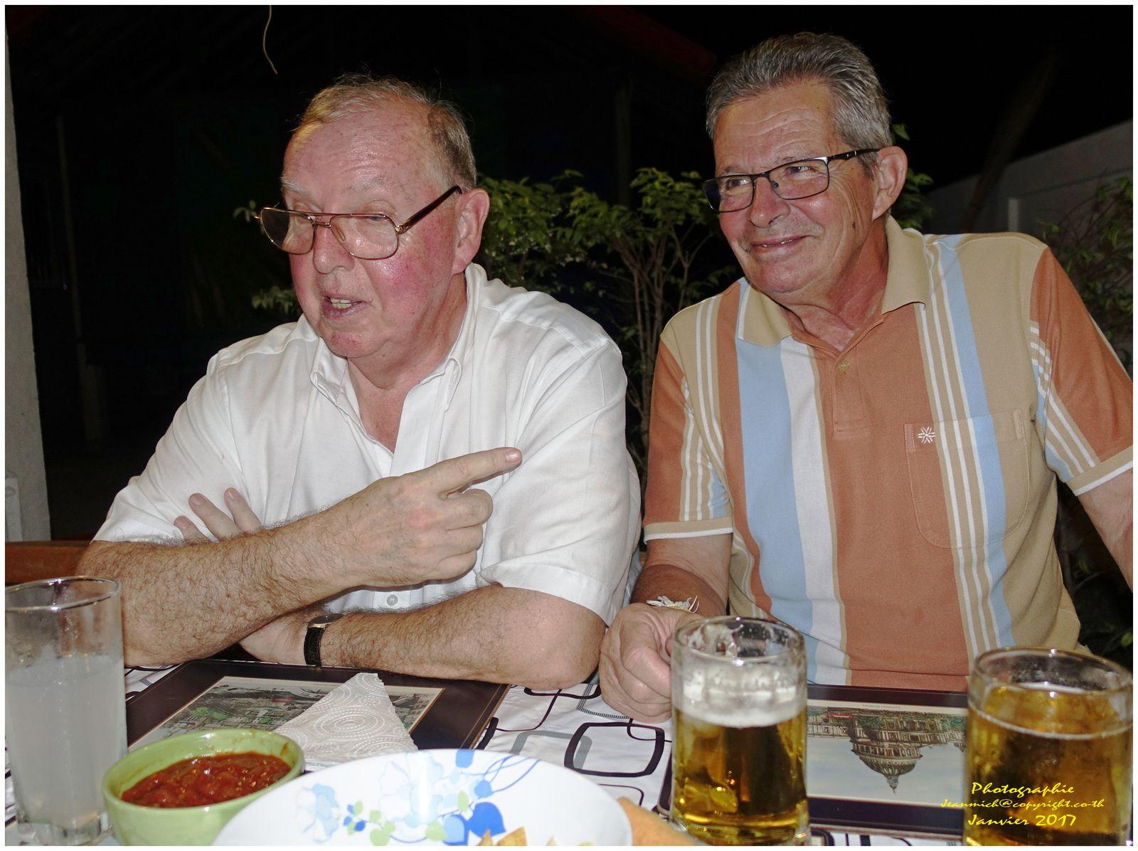 Ron l'anglais et moi-même, le petit suisse....