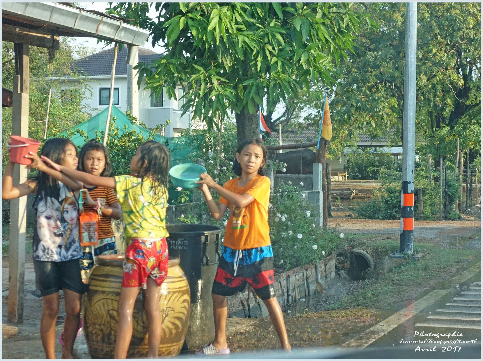 Songkran le long des routes.....