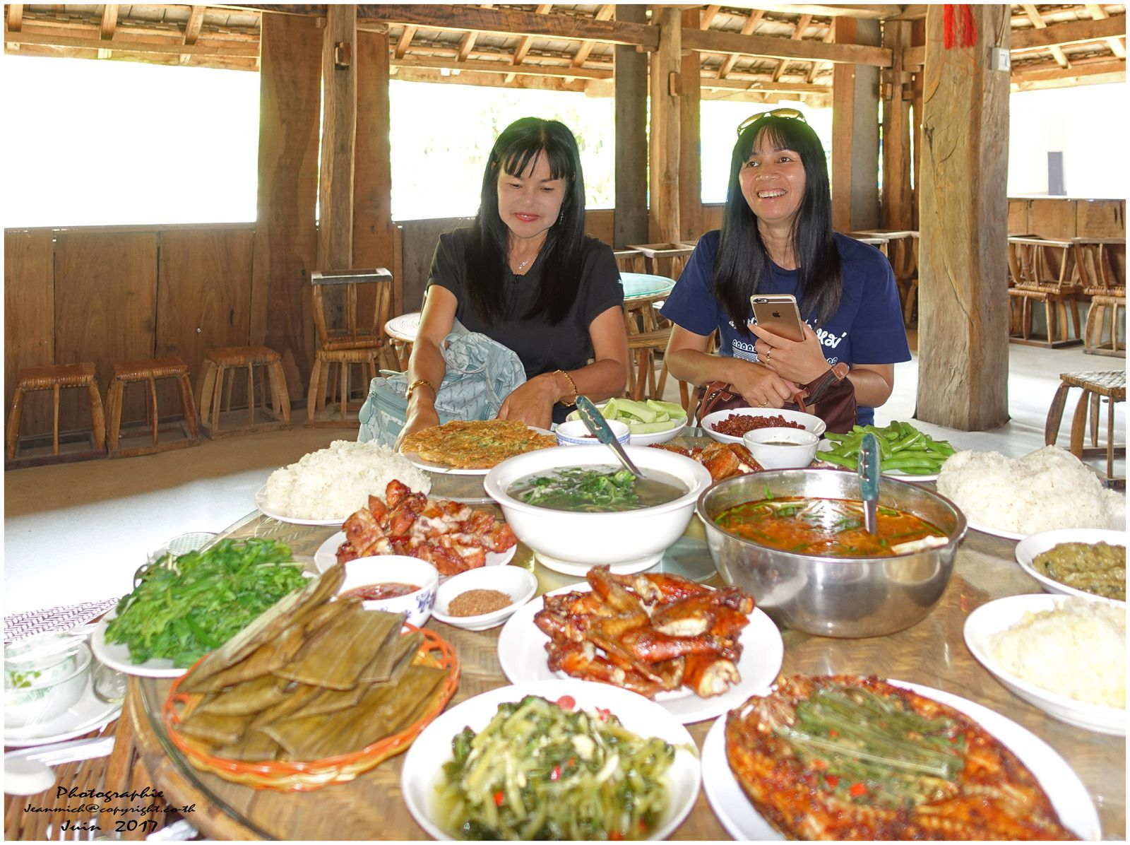 Repas typique Thaï en Chine....