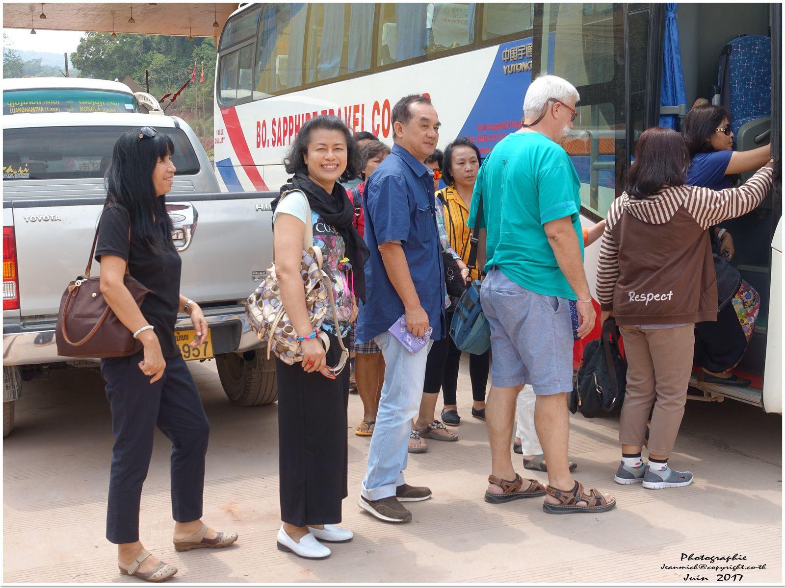 La longue route du retour de Chine en Thaïlande...