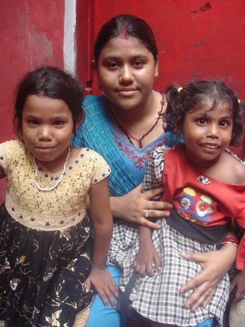 Punam, Bonishree et Priya.