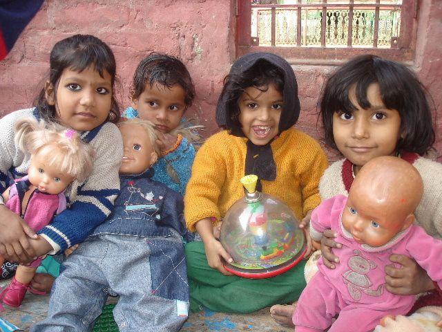 Nandini, Riya, Ganga et Laki.