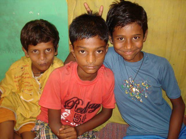 Mahesh, Anush et Vikash.