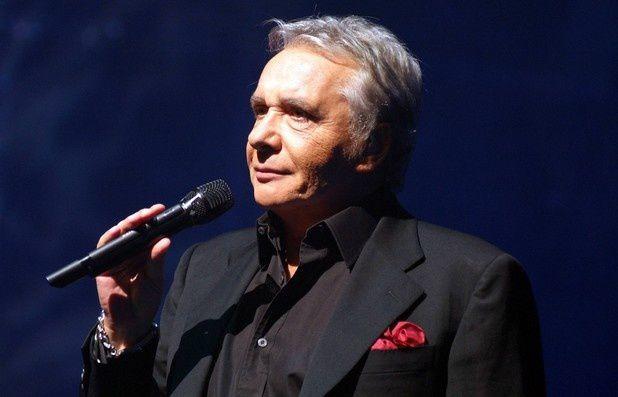 Version instrumentale de En chantant de Michel Sardou