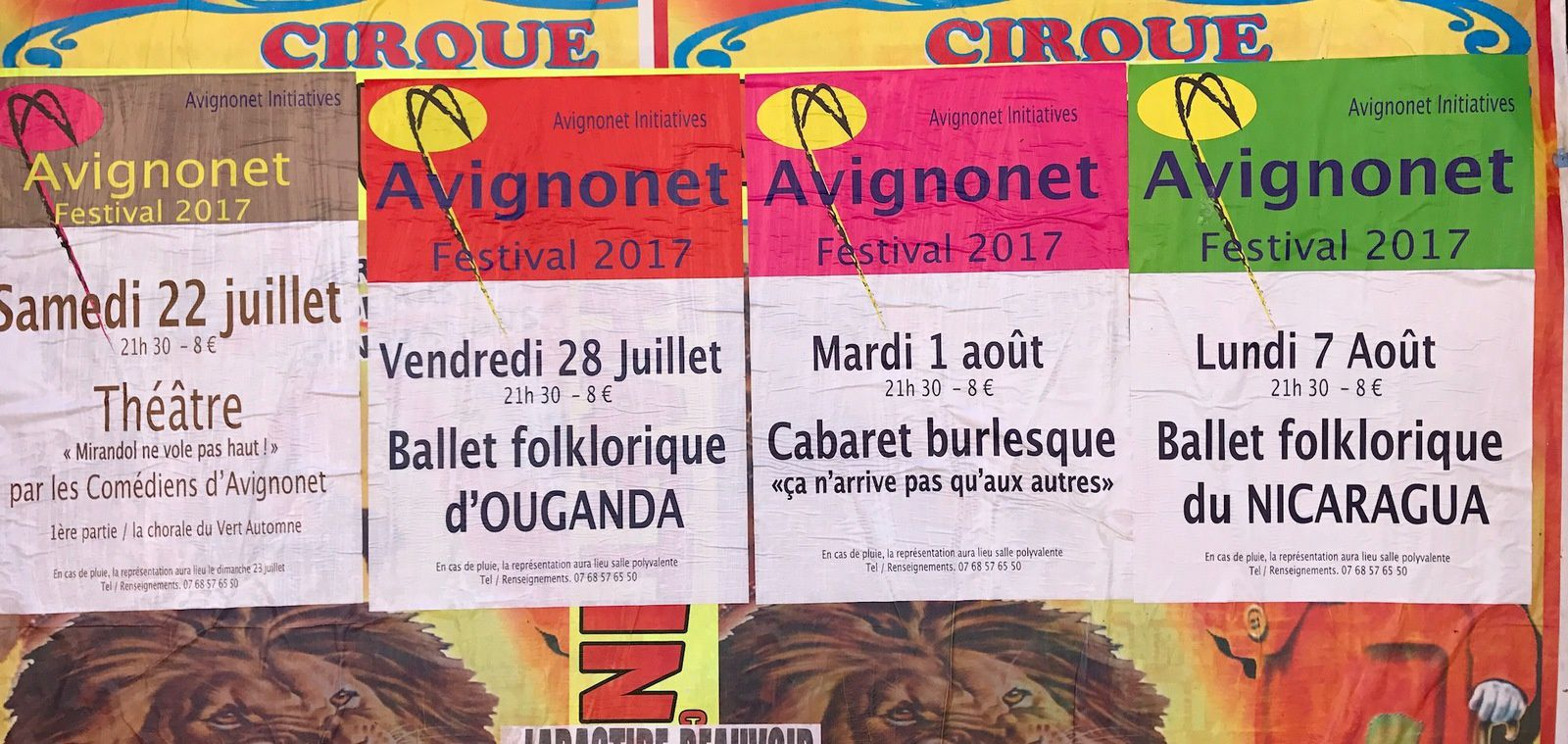 4 affiches, 1 programme...